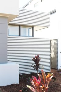 timber look aluminium fence